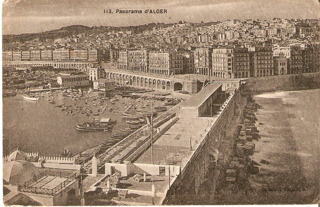 Panorama du port d\'Alger