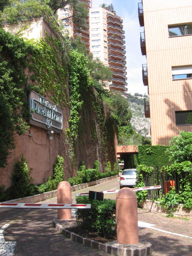 Parc Saint-Roman - Entrée de la résidence