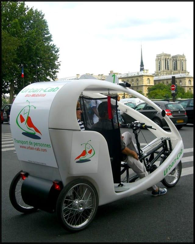 Paris se visite aussi en vélo-taxi