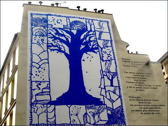 """Passant, regarde ce grand arbre... "" (art mural)"