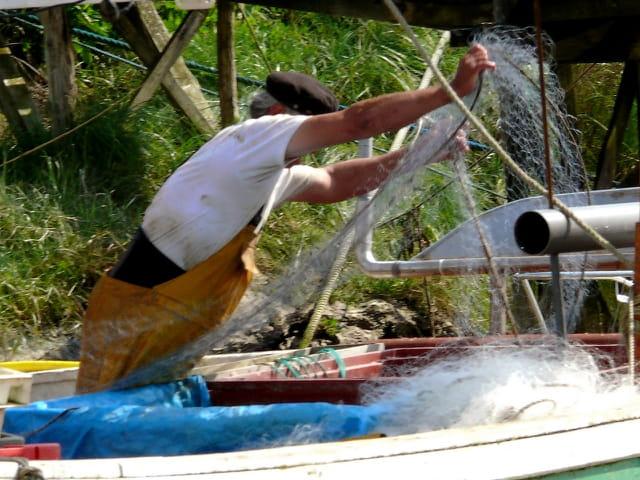 Passer le filet après la pêche