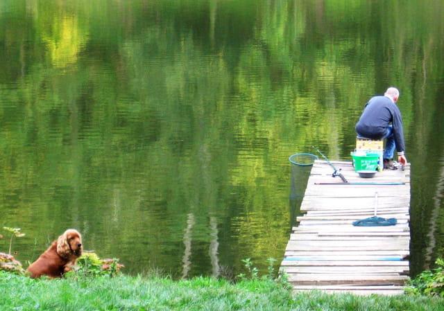Pêcheur et son chien