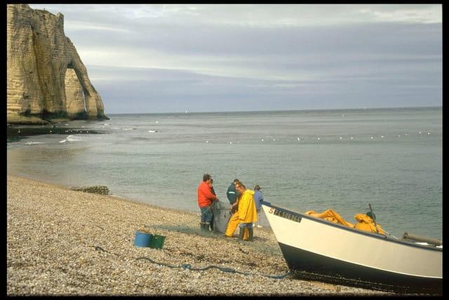 Pêcheurs à Etretat