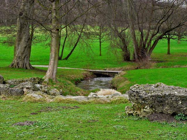 Petit cours d'eau, parc de Rouelles