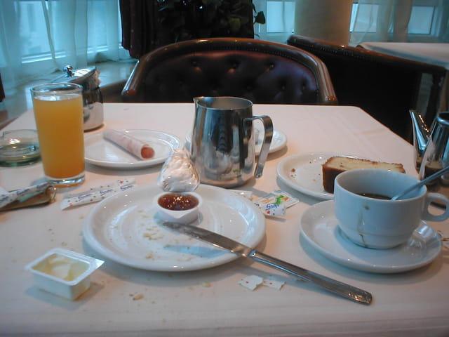 Petit déjeuner à Tunis