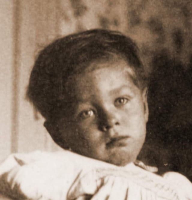Petit garçon en 1948