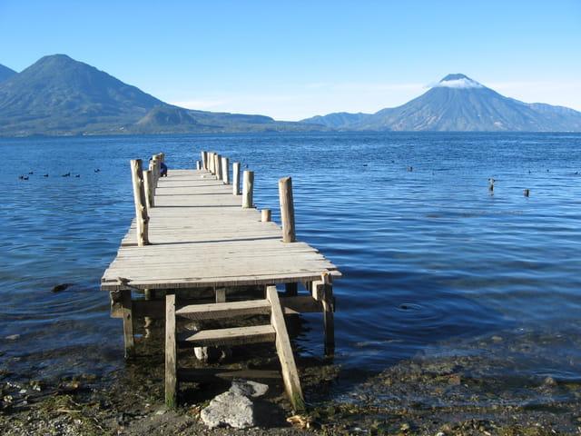 Petit matin calme au bord du lac Atitlan