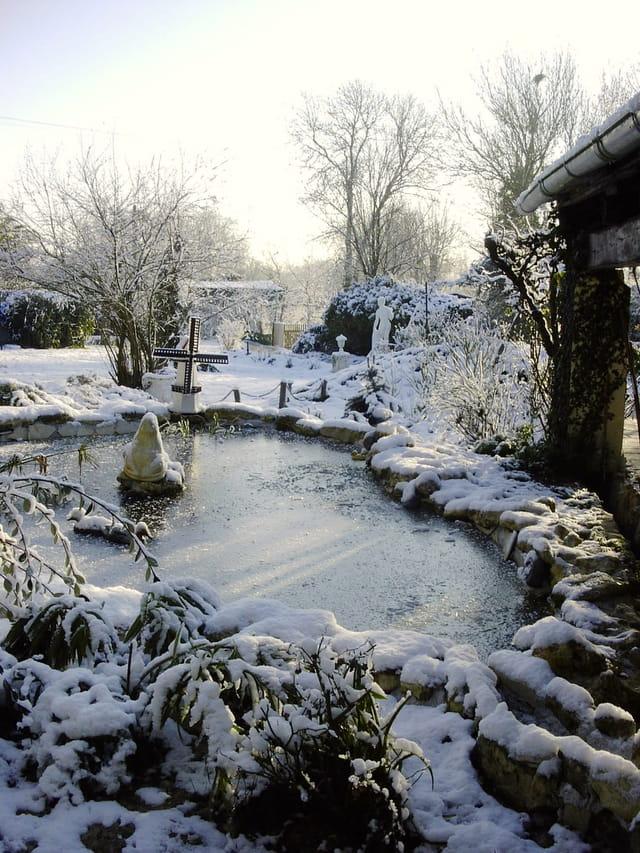 Petit matin d 39 hiver au jardin par fran oise besse sur l for Hiver au jardin