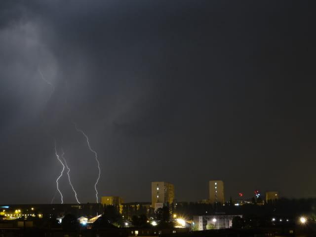 Petit orage sur Bordeaux 18.07.2014