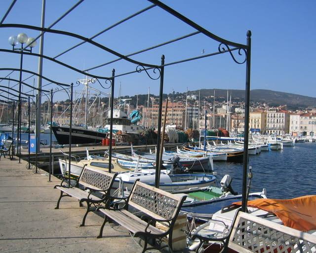Petit port méditerranéen