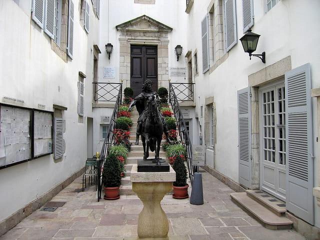 Petite entrée-Maison de Louis XIV