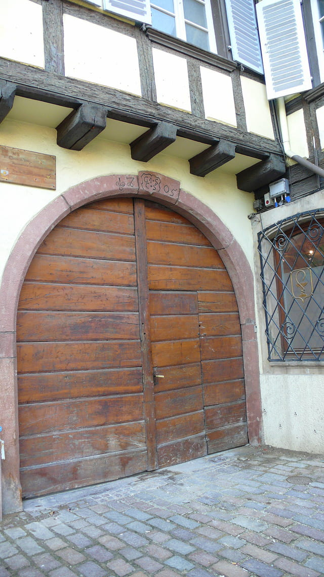 Petite porte !