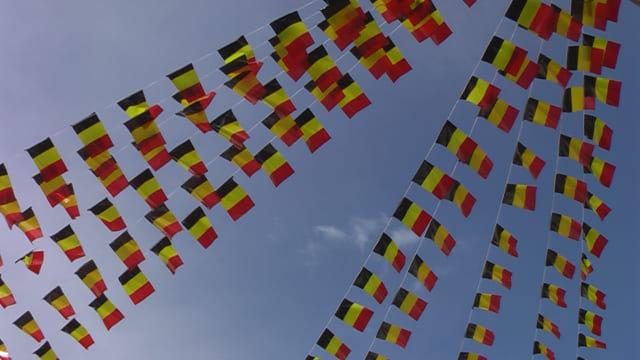 Petits drapeaux de fête