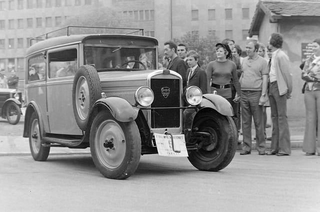Peugeot 201 rallye printemps