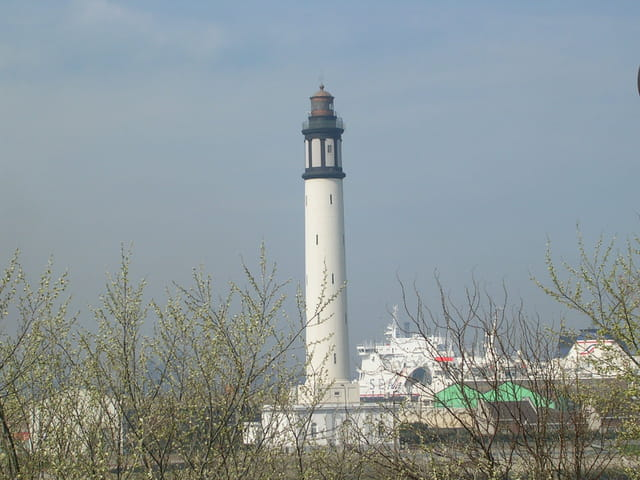 Phare dunkerque printemps
