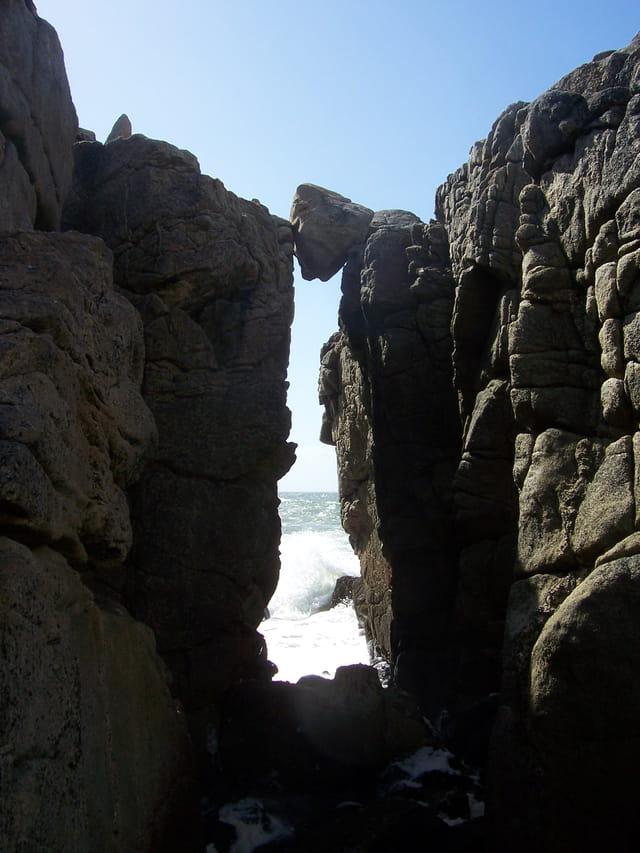 Pierre en suspension - Batz Sur Mer - La Dilane - 12-08-2008