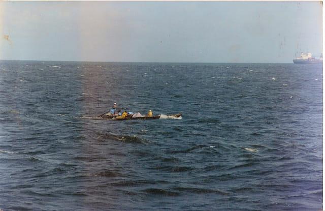 Pirogue en haute mer