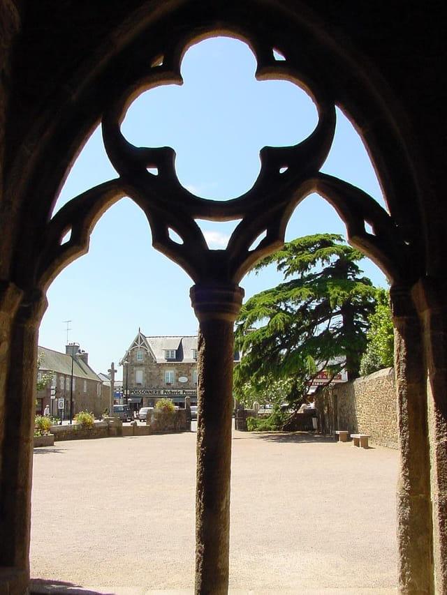 Place de l'église, Perros Guirrec