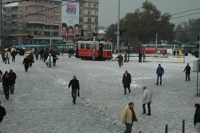 Place de Taksim sous la neige