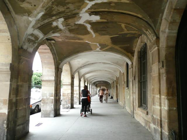 Place des Vosges en cours de restauration