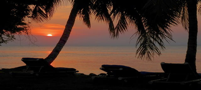 Plage Ravoraha ile sainte marie Madagascar coucher de soleil
