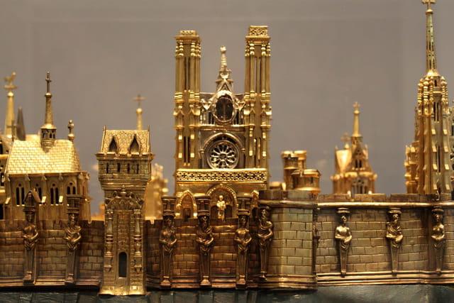 Plan reliquaire de Soissons : la Cathédrale