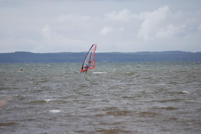 planche à voile par grand vent