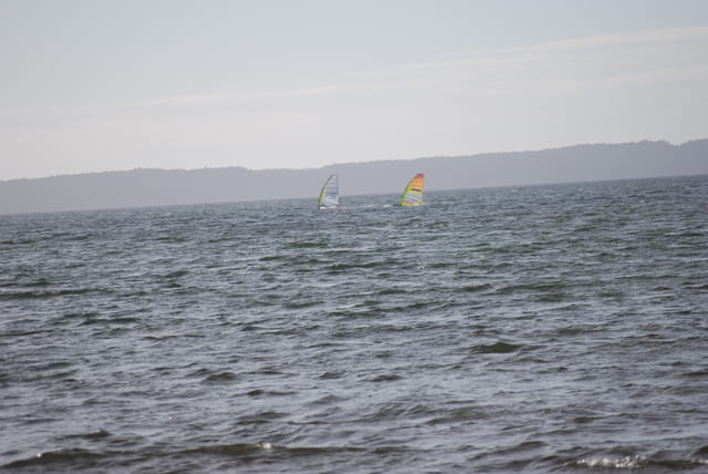 planche à voile sur le lac démonté