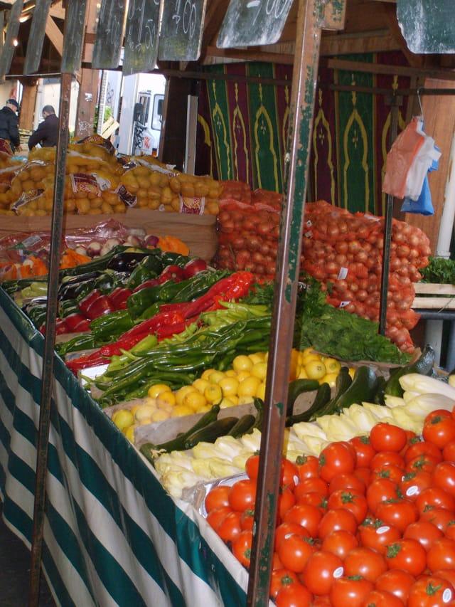 Plateaux  de fruits et légumes à Sarcelles