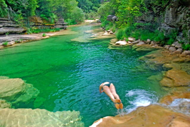 Plongeon dans le rio Guatizalema