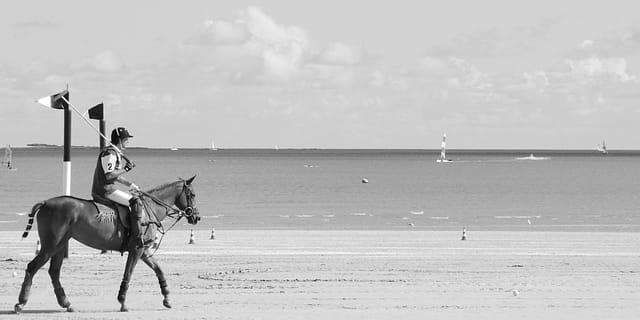 Polo sur la plage # 4