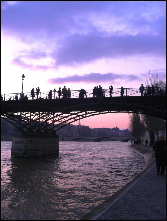 Pont des arts au crépuscule