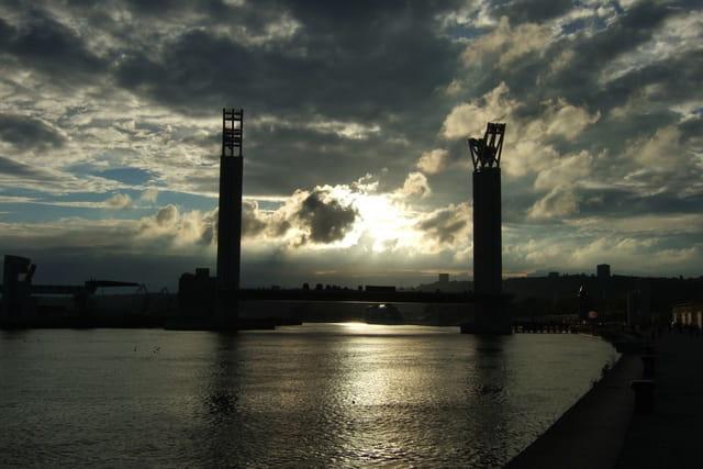 Pont, ombre et lumière