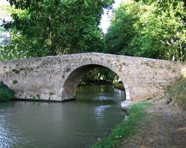 Pont sur Canal du Midi