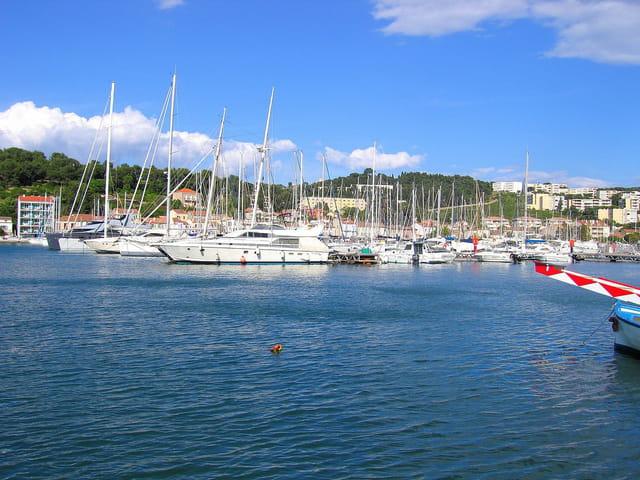 Port (6)