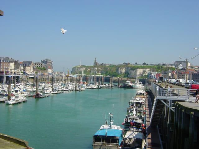 Port de Dieppe au printemps
