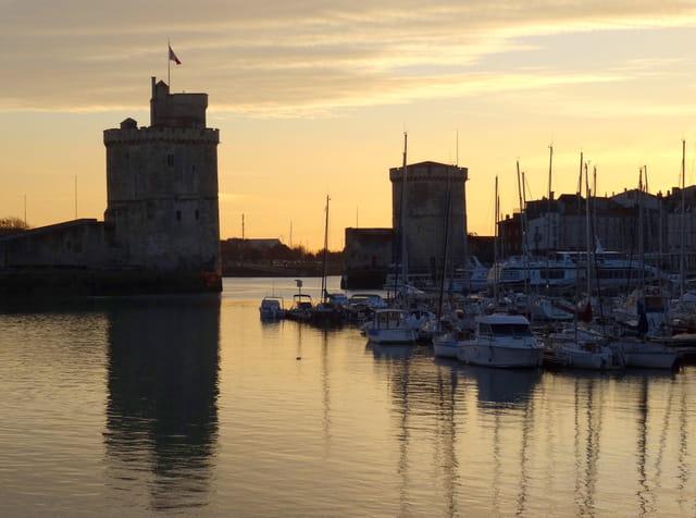 Port de La Rochelle au crépuscule