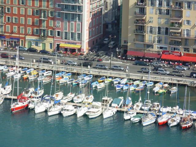 Port de Nice vu de la colline