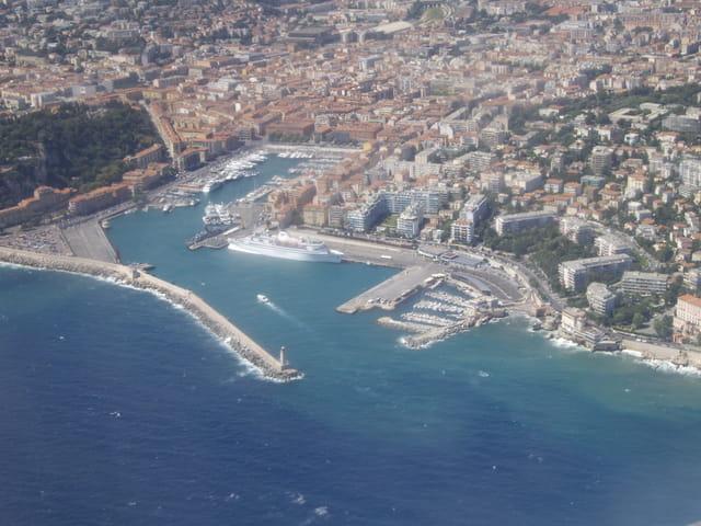 Port de Nice vu du ciel