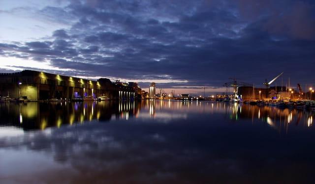 Port de saint nazaire de nuit