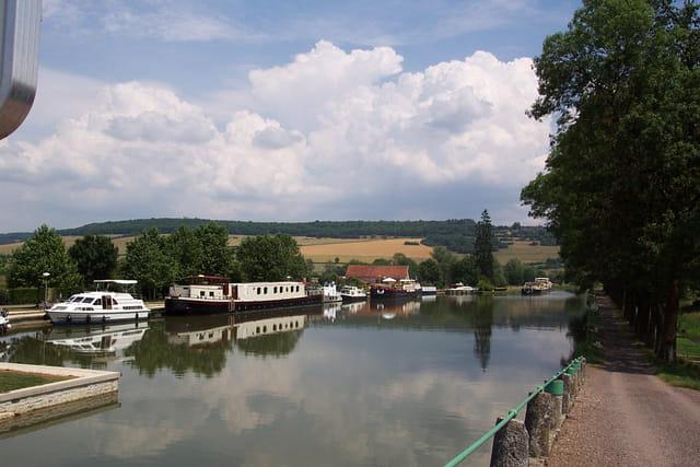 Port du canal de bourgogne