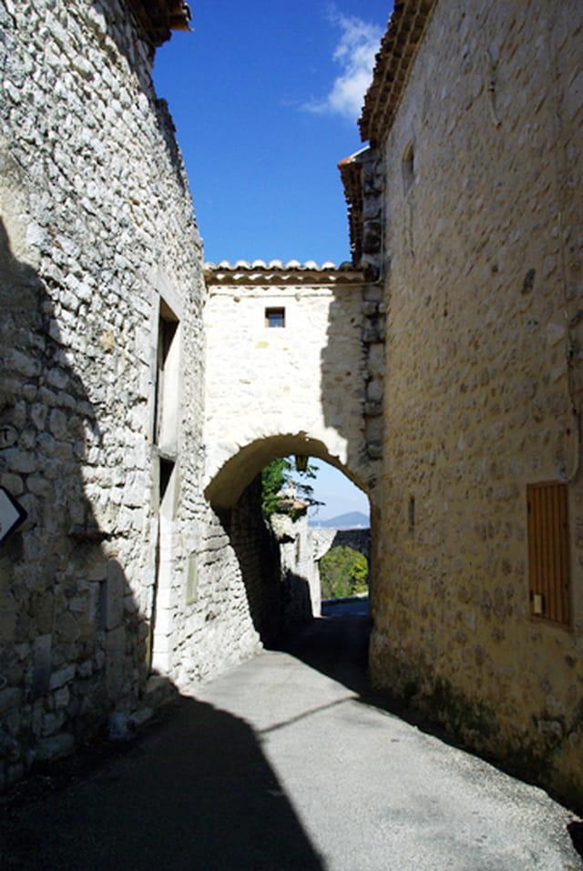 Porte d'accès au village