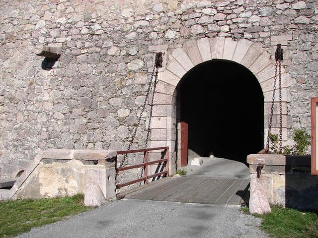 Porte d'embrun