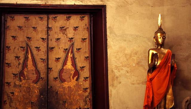 Porte dans un temple