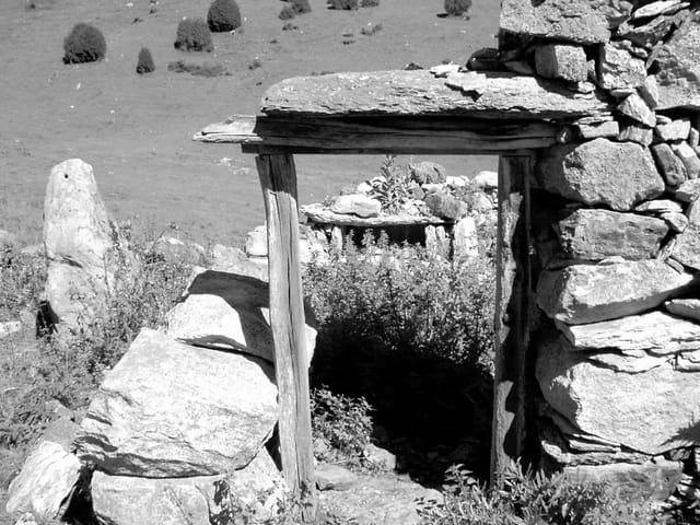 Porte de pierres