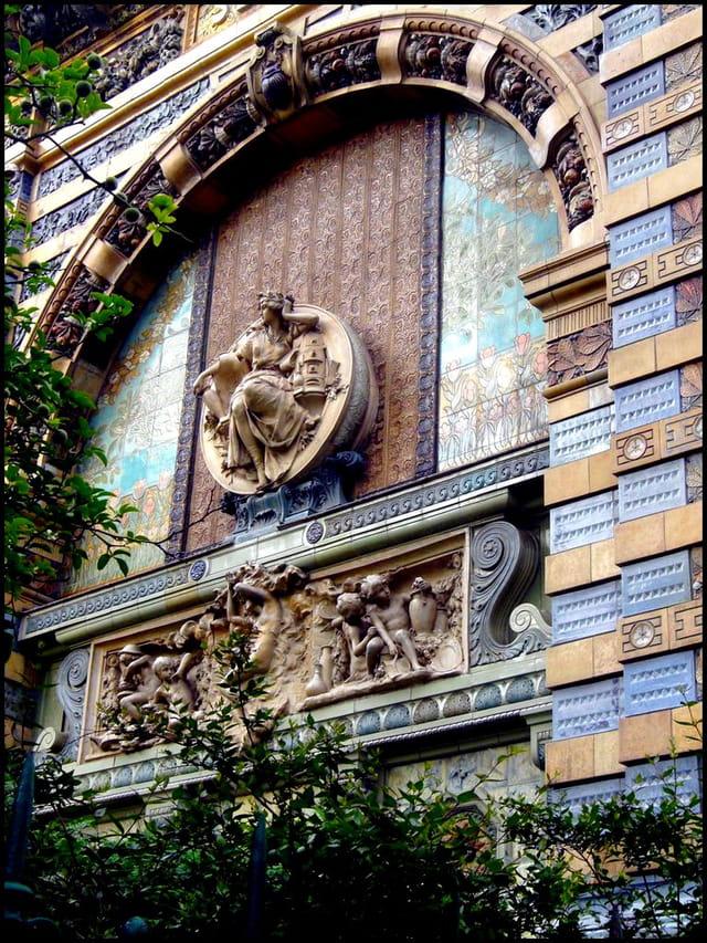 Portique Art nouveau en céramique