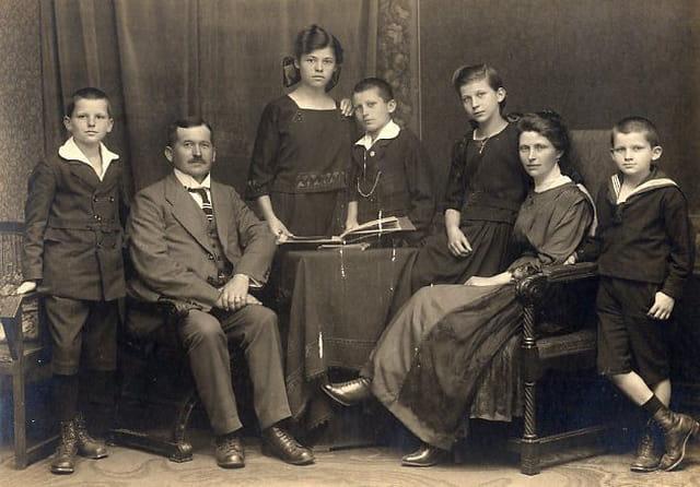 Portrait de famille 1920