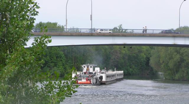 Pousseur sous le pont