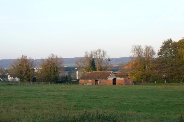 Prairie bordant l'Iton