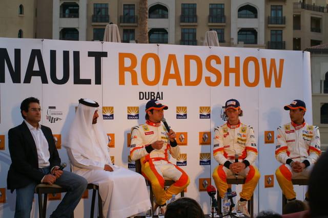 Premier Renault Road Show a Dubai